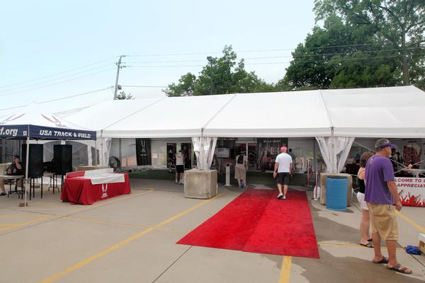 ... 40u0027 Structure Track and Field ... & 30u0027 40u0027 Wide Structure Tents | Rental Reception Party Banquet ...